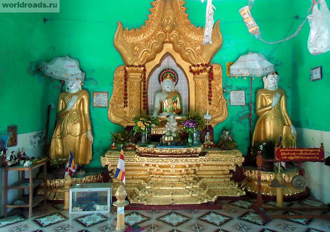Зонтик от солнца над Буддой