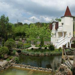 Кастальская купель в Кабардинке. Часть 1: замок на острове