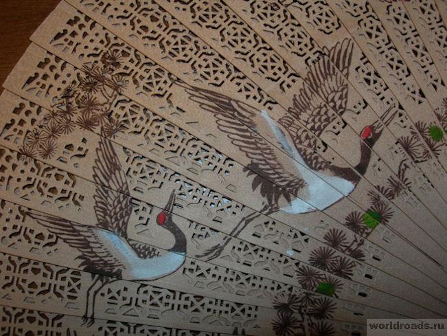 Веер из Мьянмы с журавлями
