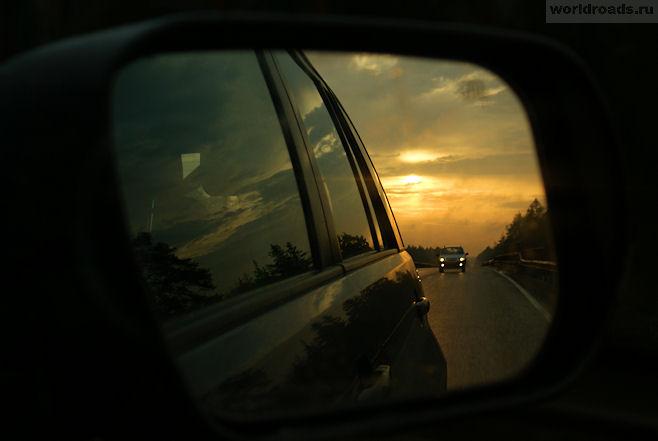 Рассвет в зеркале заднего вида
