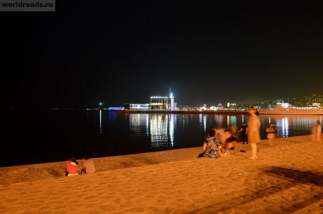 Набережная Баку ночью