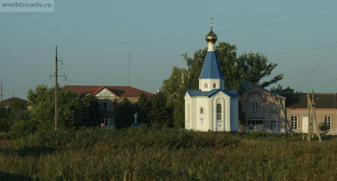 Ленин и часовня