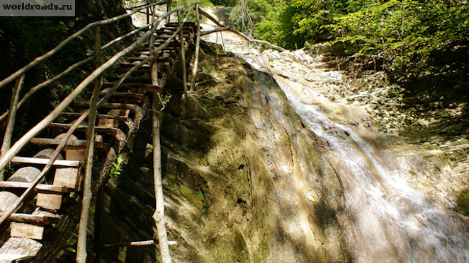 Верхний водопад самый красивый и