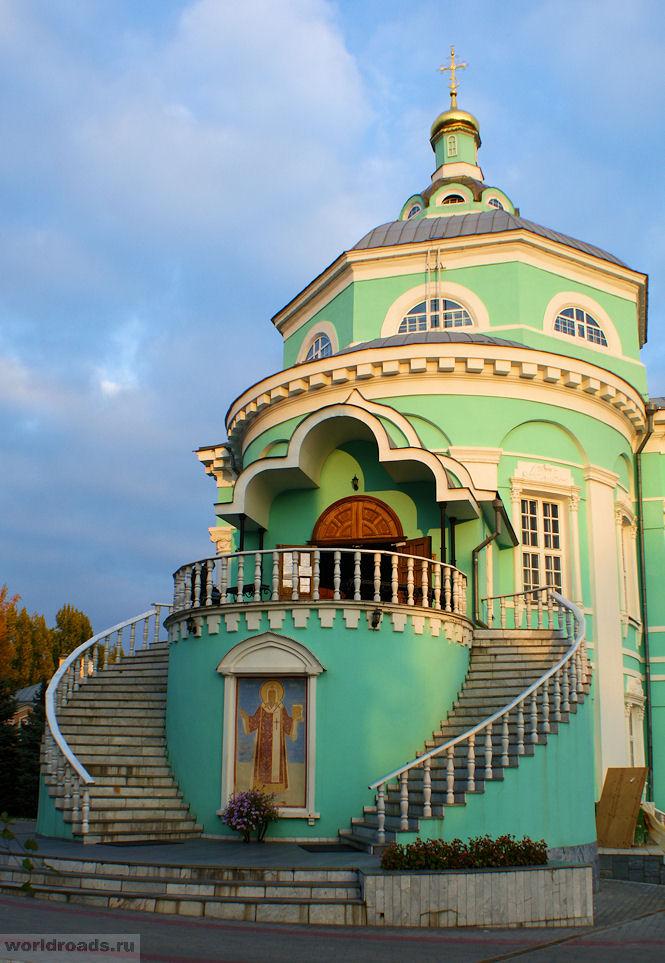 Алексиевский храм Алексиево-Акатова монастыря
