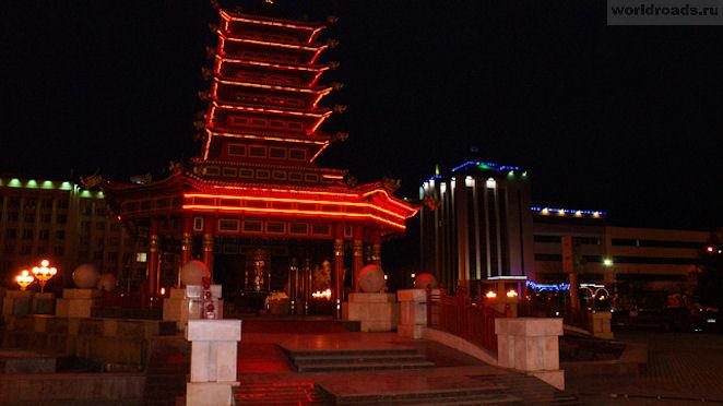 Пагода Семи дней ночью