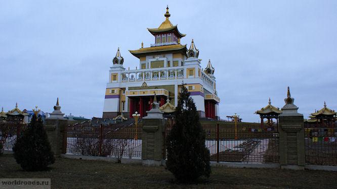 Золотая обитель Будды Шакьямуни