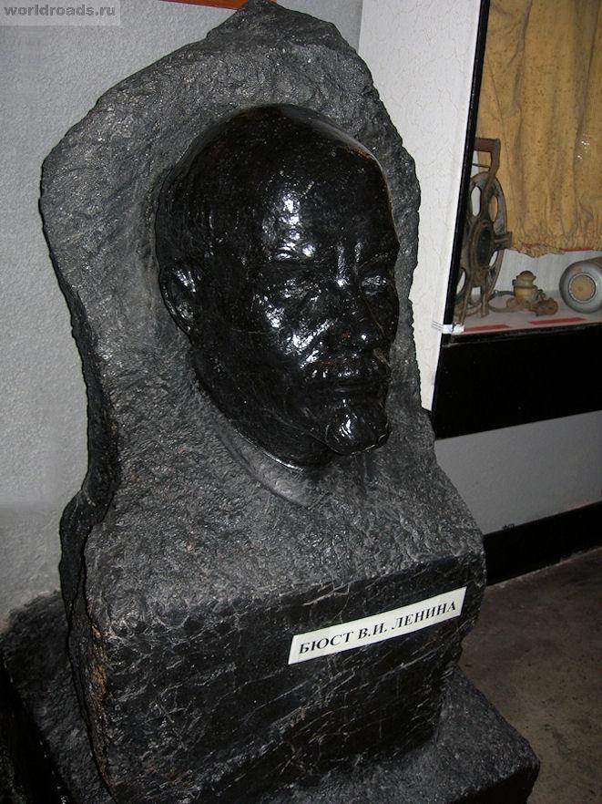 Необычный бюст Ленина