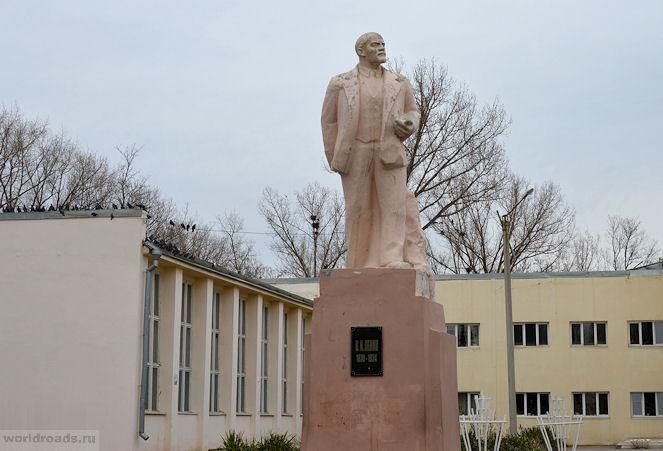 Ленин в Донском