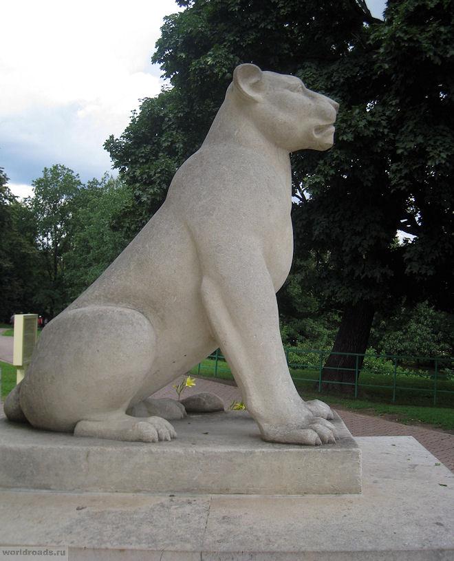 Львица в Коломенском