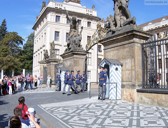 Почетный караул Прага