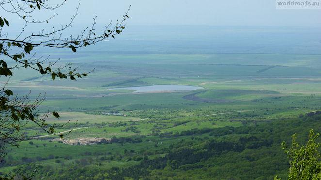 Озеро Тамбукан