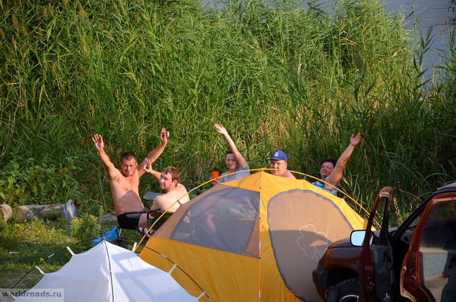 Лагерь на Волге