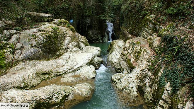 Агурские водопады Чёртова купель