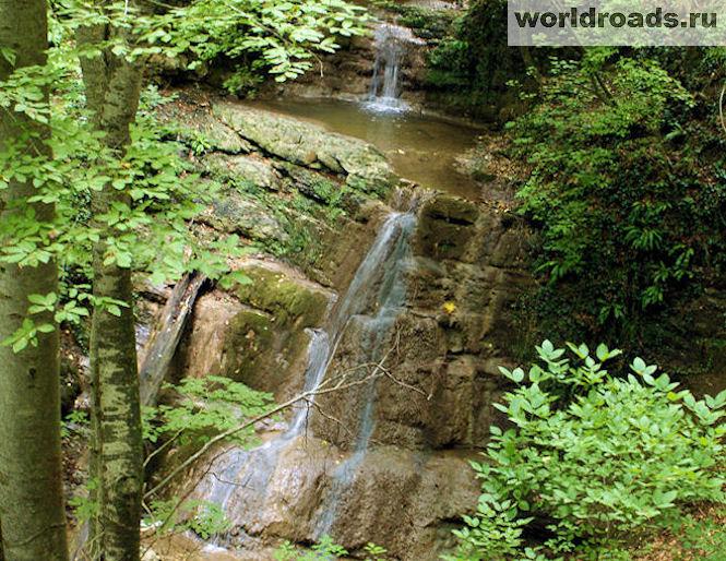 Водопады Агой
