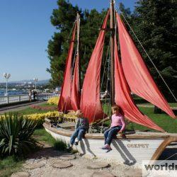Достопримечательности Геленджика: Ассоль и Алые паруса