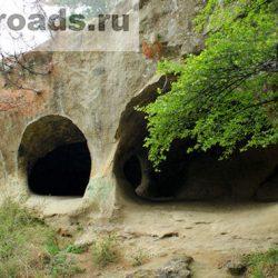 Пещера Дырявые скалы в Кисловодске