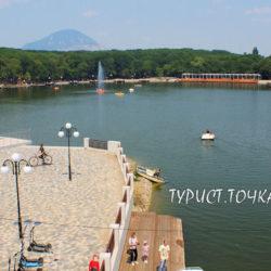 Курортное озеро в Железноводске. Настоящий VIP-пляж и бесплатный