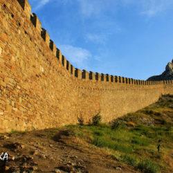 Самая красивая крепость Крыма – Генуэзская крепость в Судаке