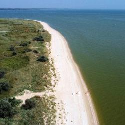 Беглицкая коса на Азовском море, километры безлюдных песчаных пляжей